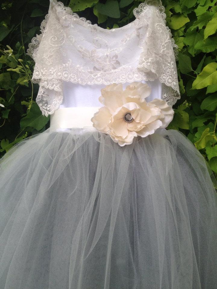 Свадьба - Silver Gray Flower Girl Tutu Dress with Lace Collar / Tutu Gown / Junior Bridesmaids / Gray Tutu
