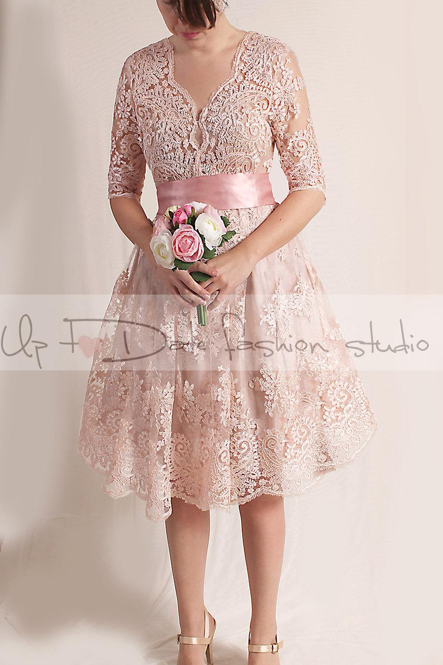 Свадьба - Lace short   Wedding party /reception/knee length/ V front / 3/4 Sleeves /blush pink Bridal Gown