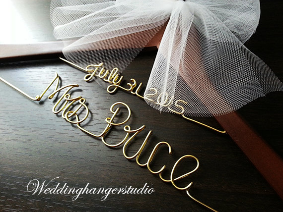 Mariage - 2 Line-Wedding dress Hanger with date, Name Hanger, Bride Hanger,Personalized Hanger, Bridesmaid, Bride Gift, Bridal Party gift