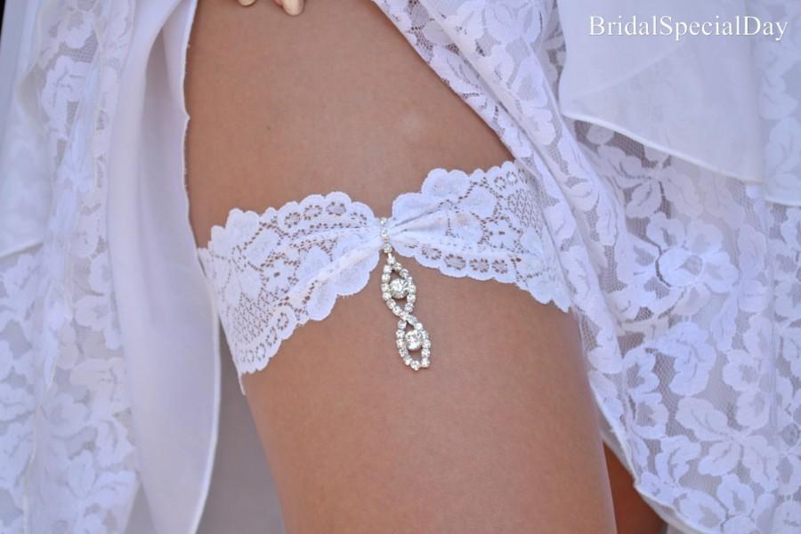 Свадьба - White Wedding Garter Set Stretch Lace Bridal Garter With Rhinestone Eye Shapes - Handmade Bridal Accessories