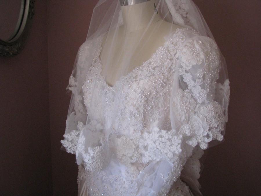 Mariage - French Alencon Lace Edge Two Tier Wedding Veil