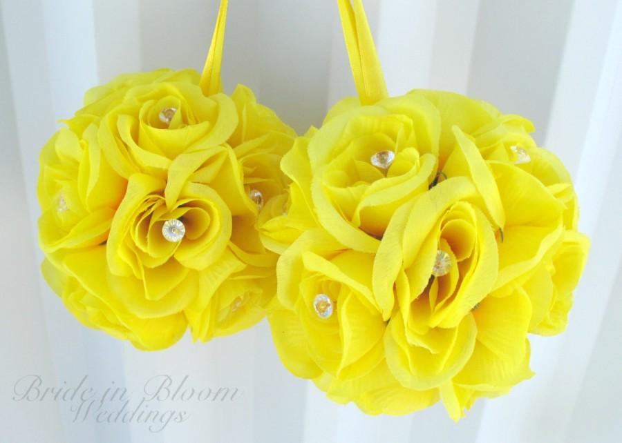 Mariage - Wedding flower balls - SALE - Yellow pomander Flower girl kissing ball Wedding decorations Bridesmaid bouquets