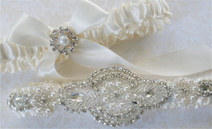 Свадьба - Wedding Garter, Garter Set, Pearl, and  Rhinestones Applique on Ivory Satin Bride Garter with Satin Tossing Garter