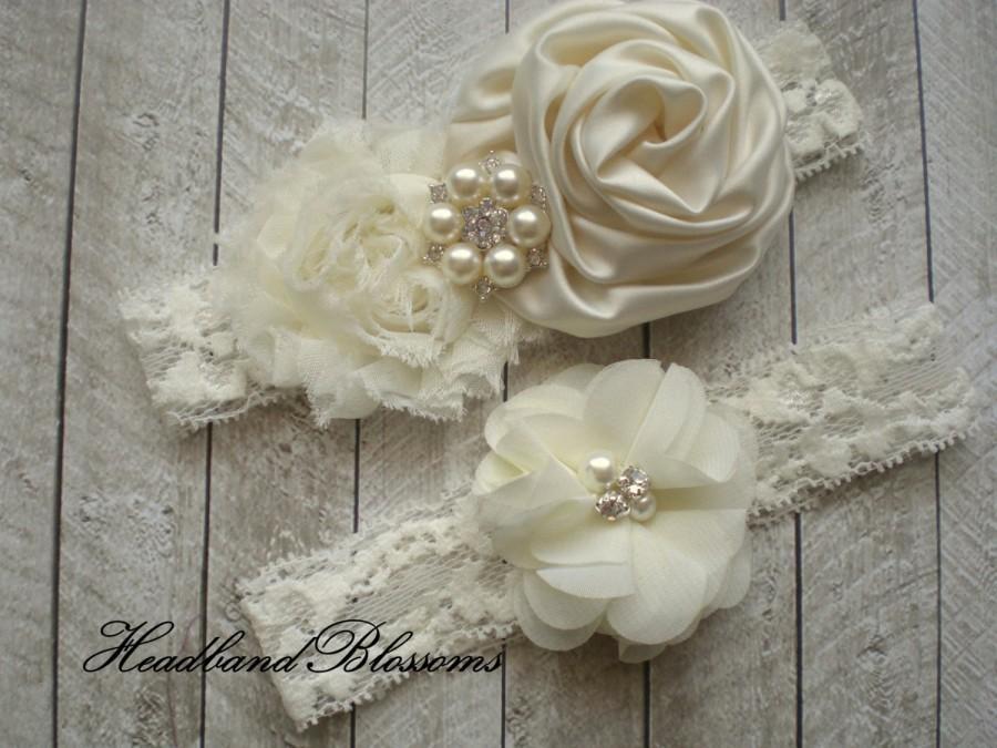 Hochzeit - Beautiful IVORY Bridal Garter Set - Ivory Keepsake & Toss Wedding Garter - Chiffon Flower Rhinestone Lace Garters - Vintage Garter