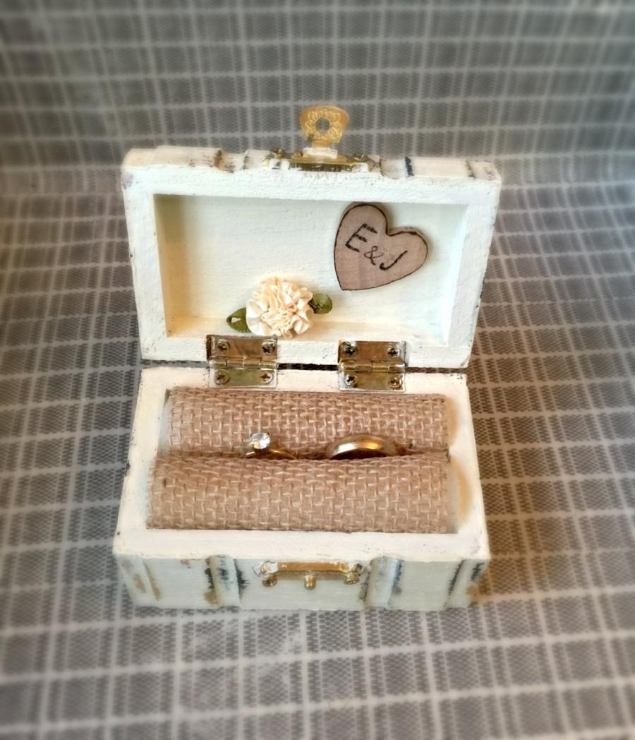 Mariage - Wedding Ring Box Hand painted Rustic Primitive Antique white color distressed box with heart