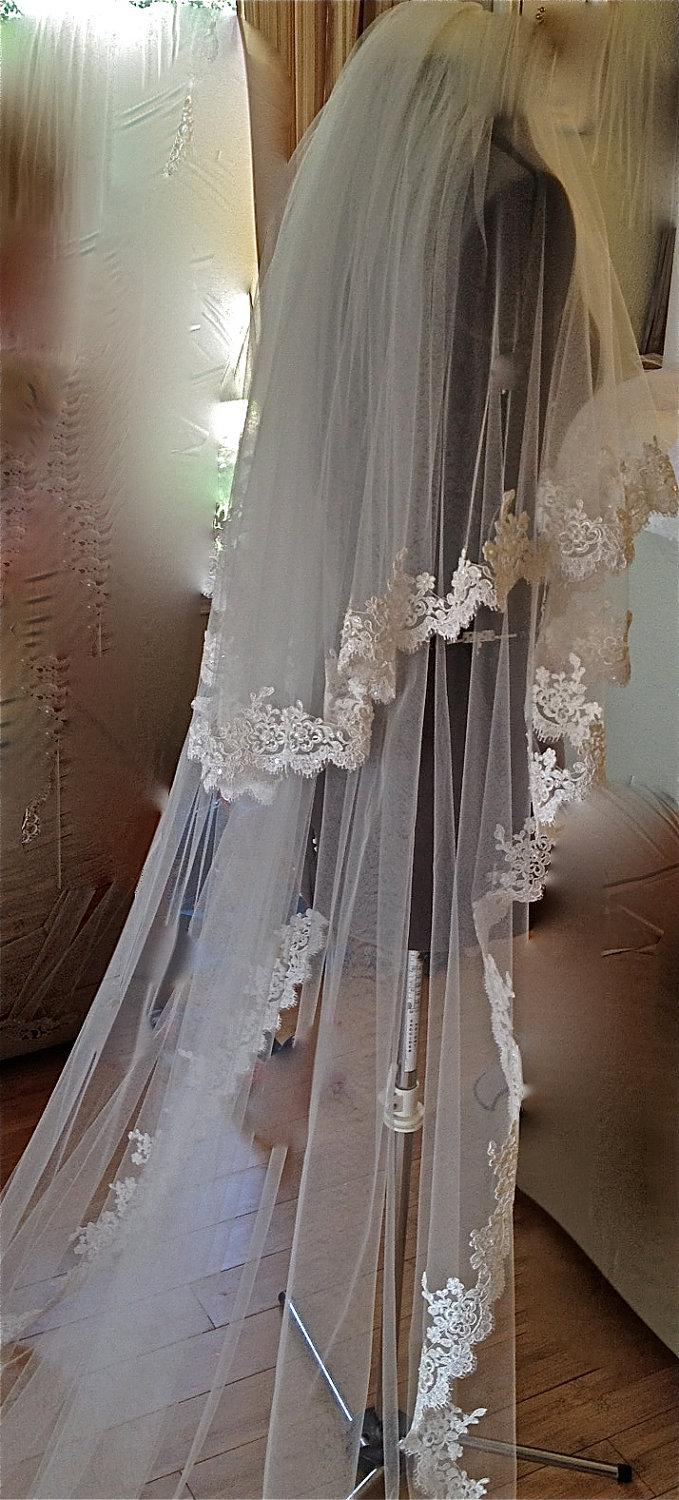 Mariage - Lace Veil, two tiers, cathedral length, classic look with blusher, beaded Alencon lace veil French style veil, Champagne,  Ivory, White