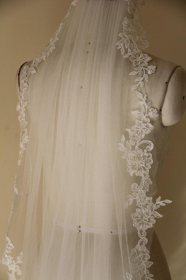 Wedding - Bridal Lace Veil, Elbow Length Veil, Bridal Accessory made of Soft Tulle and Lace Flower Edge, Wedding Veil.