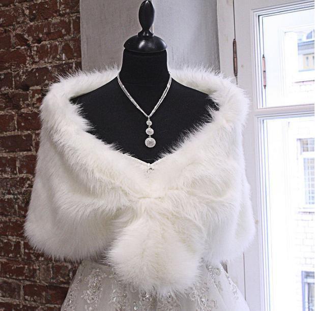 Mariage - Faux fur shawl  Capelet Bride's Cape Winter Wedding white, Ivory faux fur