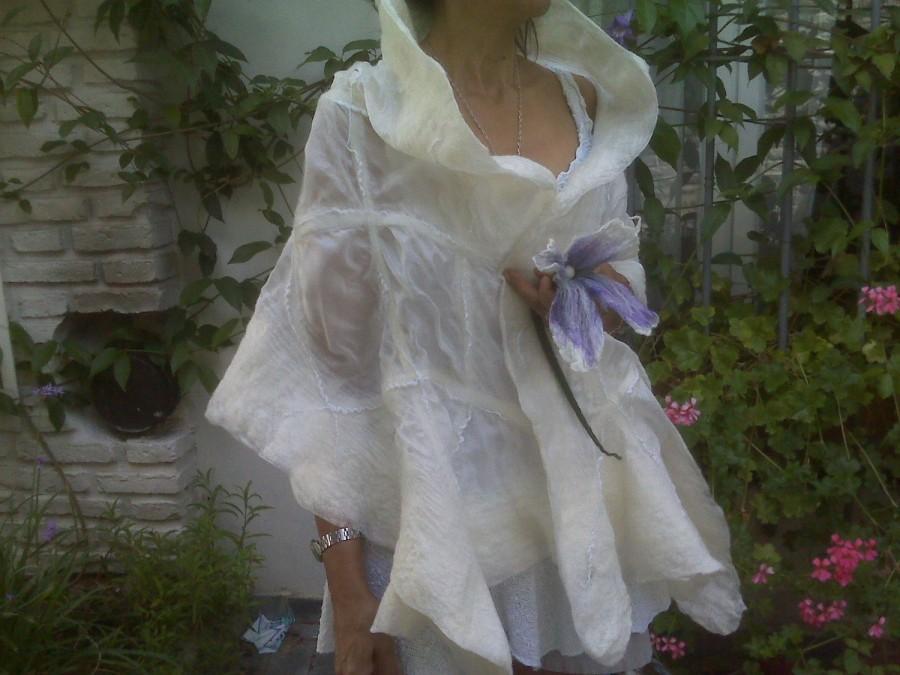 Свадьба - Bridal wrap / silk felted wedding gown shawl/ bridal bolero shrug