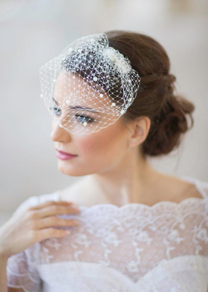 Mariage - Mini birdcage veil with pearls, small bridal veil, mini wedding veil, white ivory, beige, pink Style 604