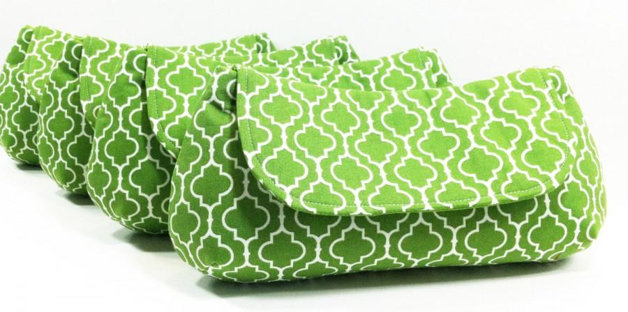 Hochzeit - Bridesmaid Clutches, Wedding Clutch, Bridesmaids Gifts - Choose Your Fabric Green Set of 5