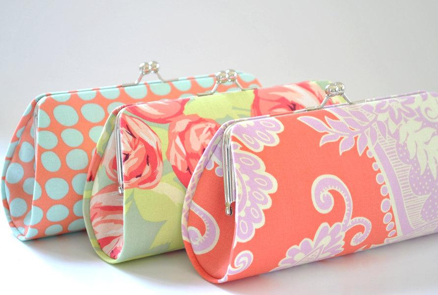 Mariage - A SET of 3 Bridesmaids Clutch -  Create a Custom Bridesmaid Clutches in your choice of fabrics