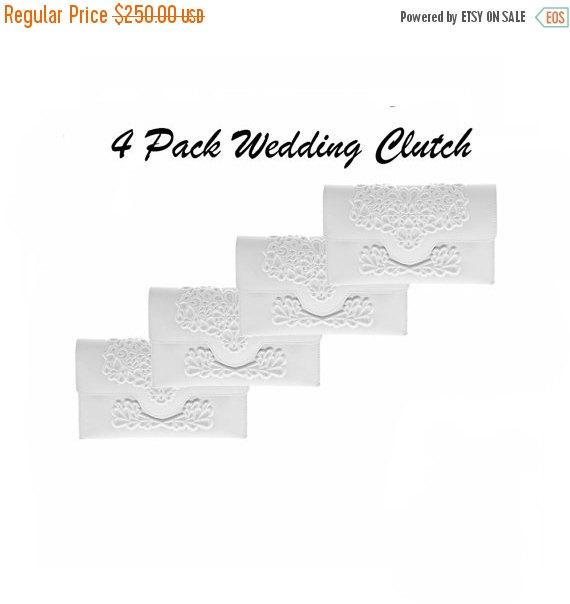 زفاف - On Sale / Bridesmaids gift / white bridesmaids clutch / white vinyl vegan clutch / white vegan wedding / the perfect gift / the perfect day