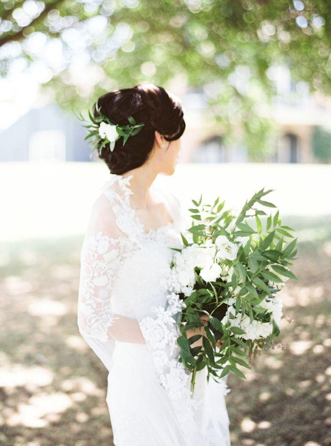 Mariage - Organic Greenery Texas Church Wedding