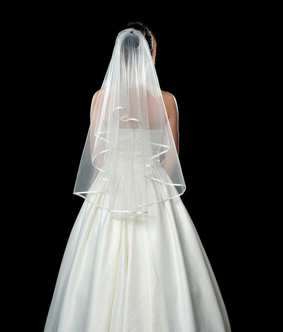 Mariage - 2 Tier Ivory White Elbow Wedding Veil,Bridal Veil ,Wedding Veil ribbon edge,shouder Length Veil Bridal with satin Ribbon