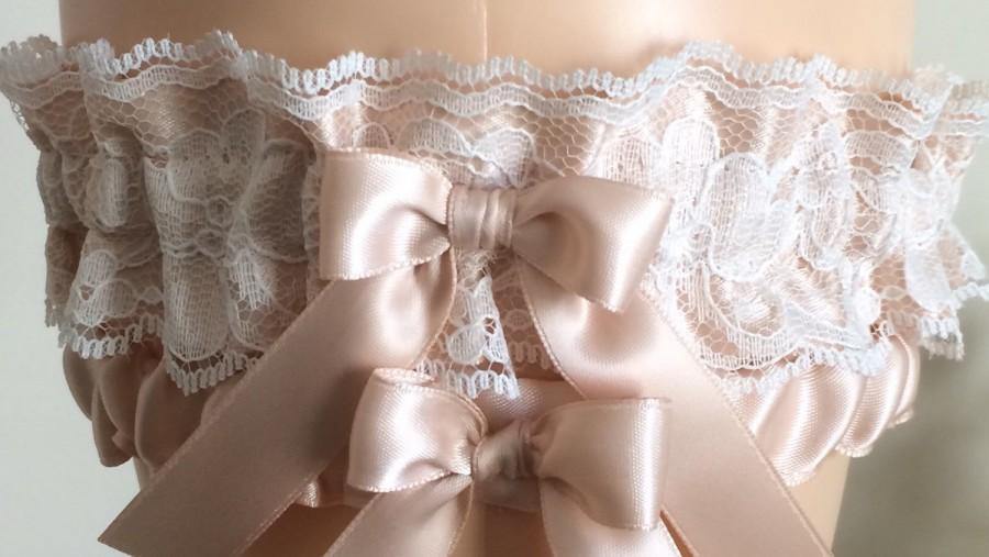 Hochzeit - Blush and Ivory Lace Wedding Garter Set, Bridal Garter, Prom Garter, Blush Pink Lace Garter, Keepsake Garter, Garter, Bridal Gift, Lace Gart