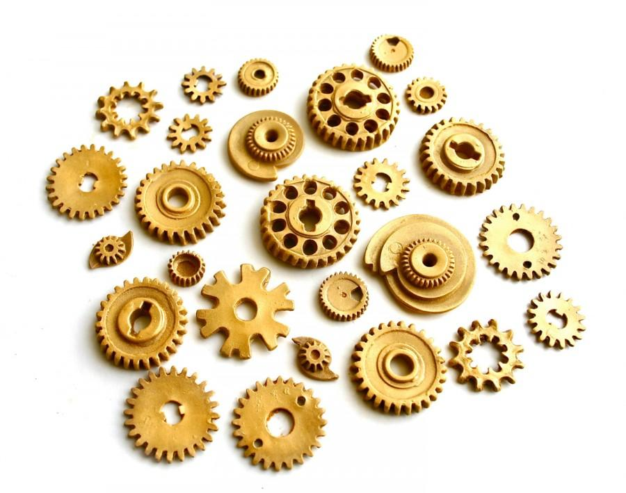 Hochzeit - 25 Edible Chocolate Candy Gears®   - unique edible embellishments or stand alone candy