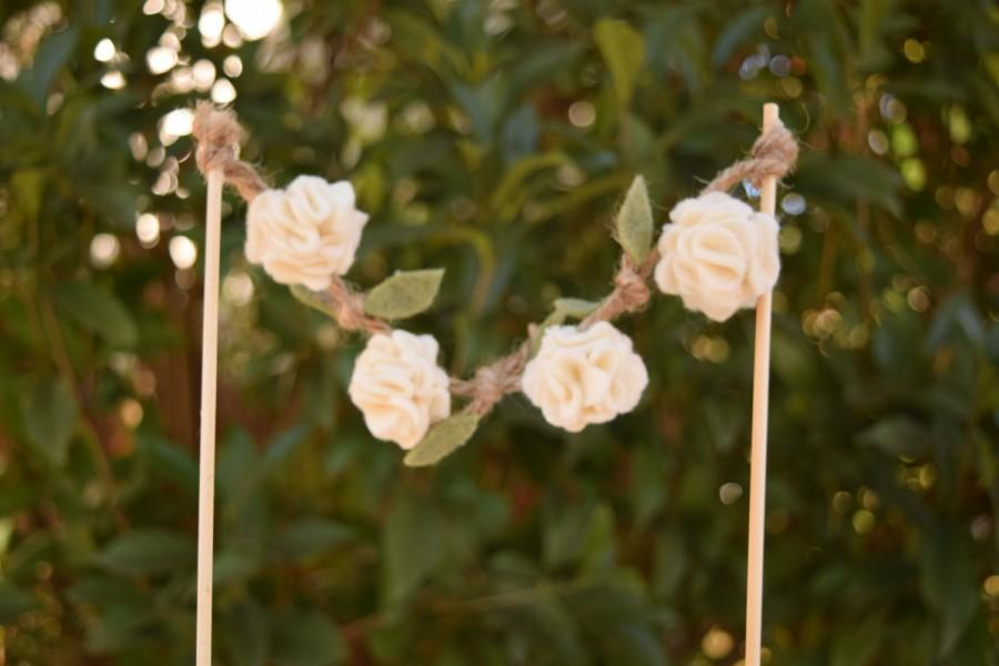 Mariage - Rustic Cake Topper- Ivory Flower Garland with Leaves- Wedding Cake Topper Garland