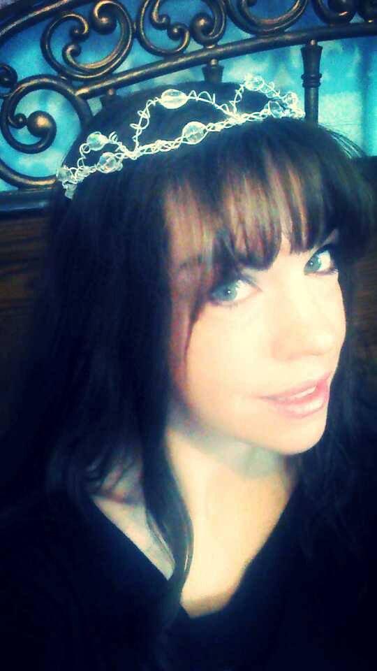زفاف - Silver Tiara, Handmade Silver Headband, Bridal Hair Accessory, Halloween Princess Costume, Princess Tiara, Silver Crown from GoodVibesbyMeg
