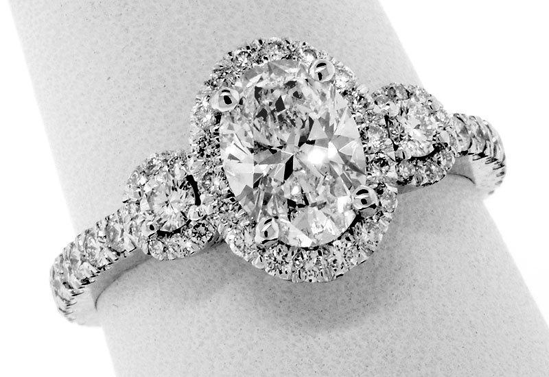 زفاف - 1.68 CT TW GIA  Certified Oval Diamond - Platinum Halo Engagement Ring