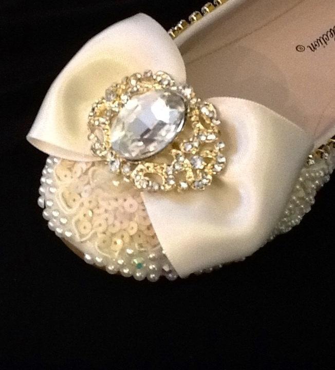 Свадьба - Classic Fairy Tale Wedding Shoes Hand Made Bridal Flats Beaded Rhinestones