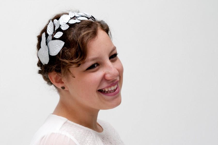 Hochzeit - Edinburgh - Floral Crown made with silver leaves