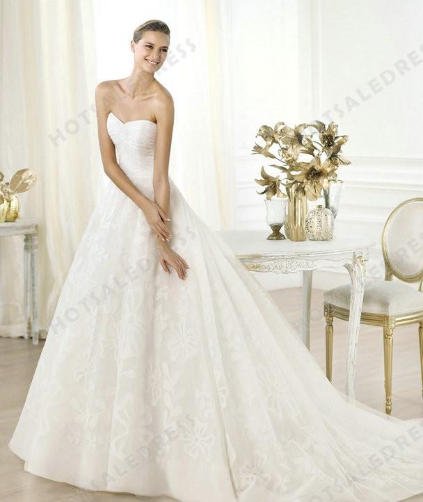 Wedding - Wedding Dress - Style Pronovias Leura Tulle Sweetheart Neckline