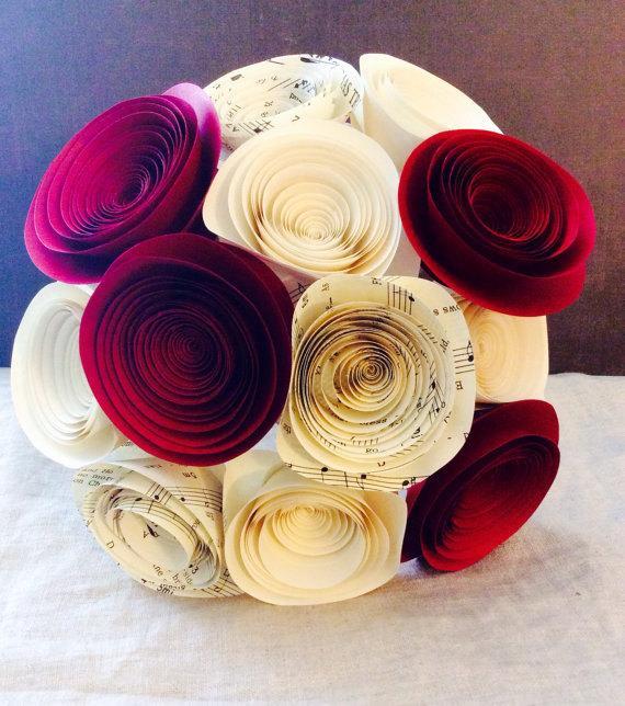 Mariage - Paper Flower Bouquet - Red - Cream - Music Sheet - Wedding Bouquet - Bridal Bouquet - Bridesmaid Bouquet - Centerpieces - Music notes