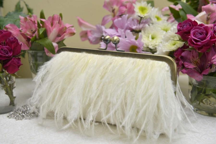 Свадьба - Ostrich Feather Fringe Clutch, White Wedding Purse, Ivory Bridal Clutch, Blush Wedding Purse, Champagne Clutch, {Feather Fringe Kisslock}