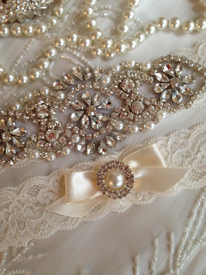 Mariage - SALE-CUSTOM-Wedding Garter-Ivory-Lace Garter Set- Rhinestone Garter-Applique Garter-Vintage-Bridal Garter-stretch lace-Garter-Toss Garter