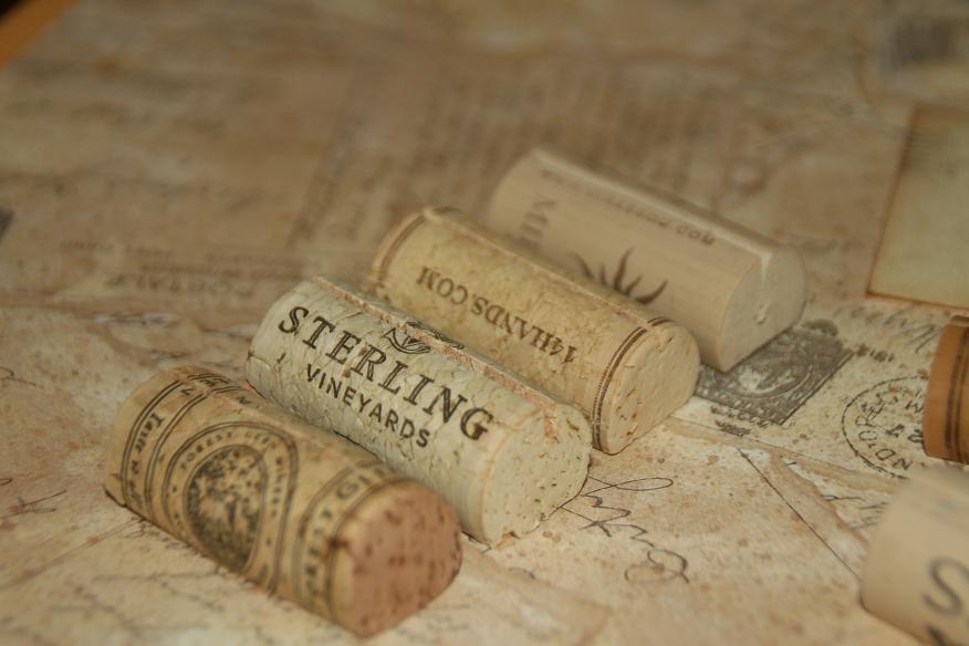 Свадьба - Wine Cork Holders  100 Wedding Place Card Holder Wine Cork Place Card Holders