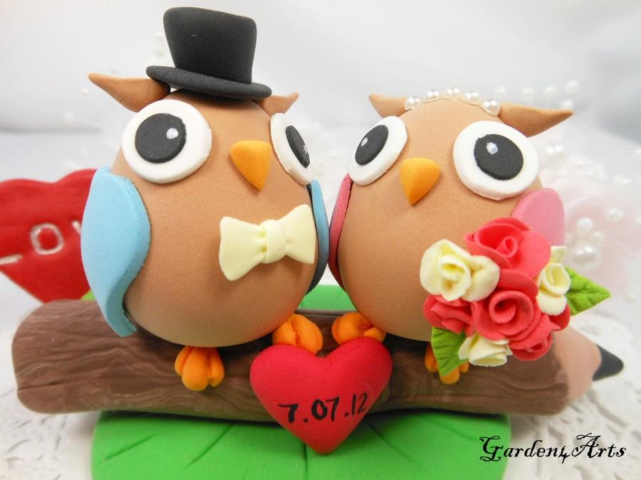Hochzeit - Wedding Cake Topper--Love Owl couple with Sweet Pencil and Clay Grass Base