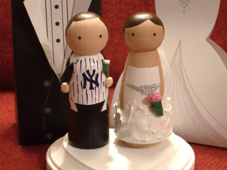 Hochzeit - New York Yankees Sports Theme - Choose your Team  Custom Wedding Cake Topper-Personalized for You with 3-D Accents