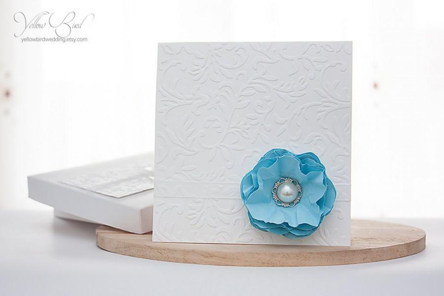 Свадьба - Blue flower boxed wedding invitation. Luxury wedding invitation. Light blue and white wedding. Summer wedding invitation