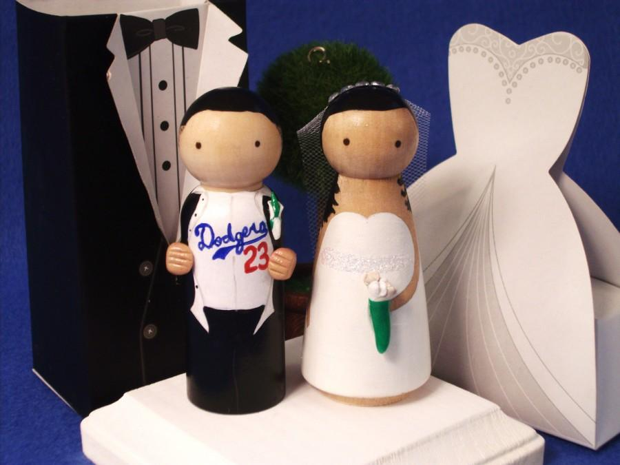 Hochzeit - Dodgers  Sports Theme Wedding Cake Topper - Choose your Team  Custom Wedding Cake Topper-Personalized for You with 3-D Accents