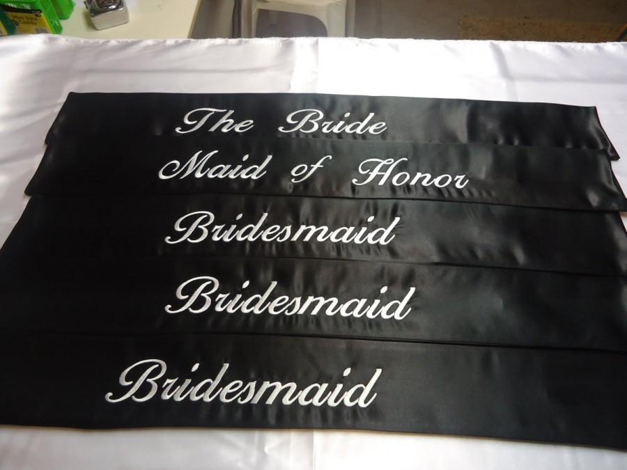 "Hochzeit - Weddng party sashes a set of five.. Black heavyweight satin with white embriodered thread for the whole wedding party size 36"" x 36"" .."