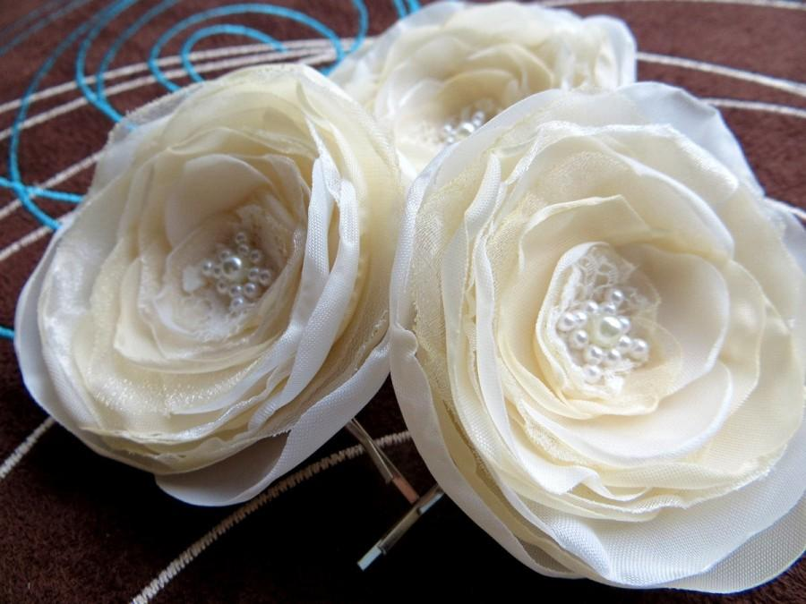 Mariage - Ivory, cream wedding bridal flower hair clips (set of 3), bridal hair accessories, bridal floral headpiece, wedding hair accessory