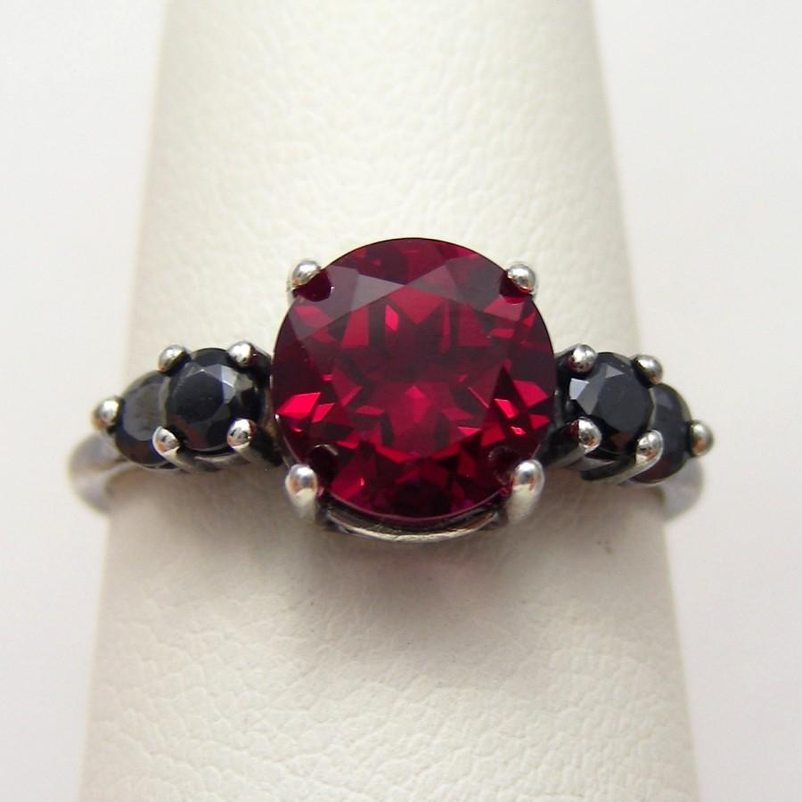 Hochzeit - 3 DAY SALE Red and Black Engagement Ring