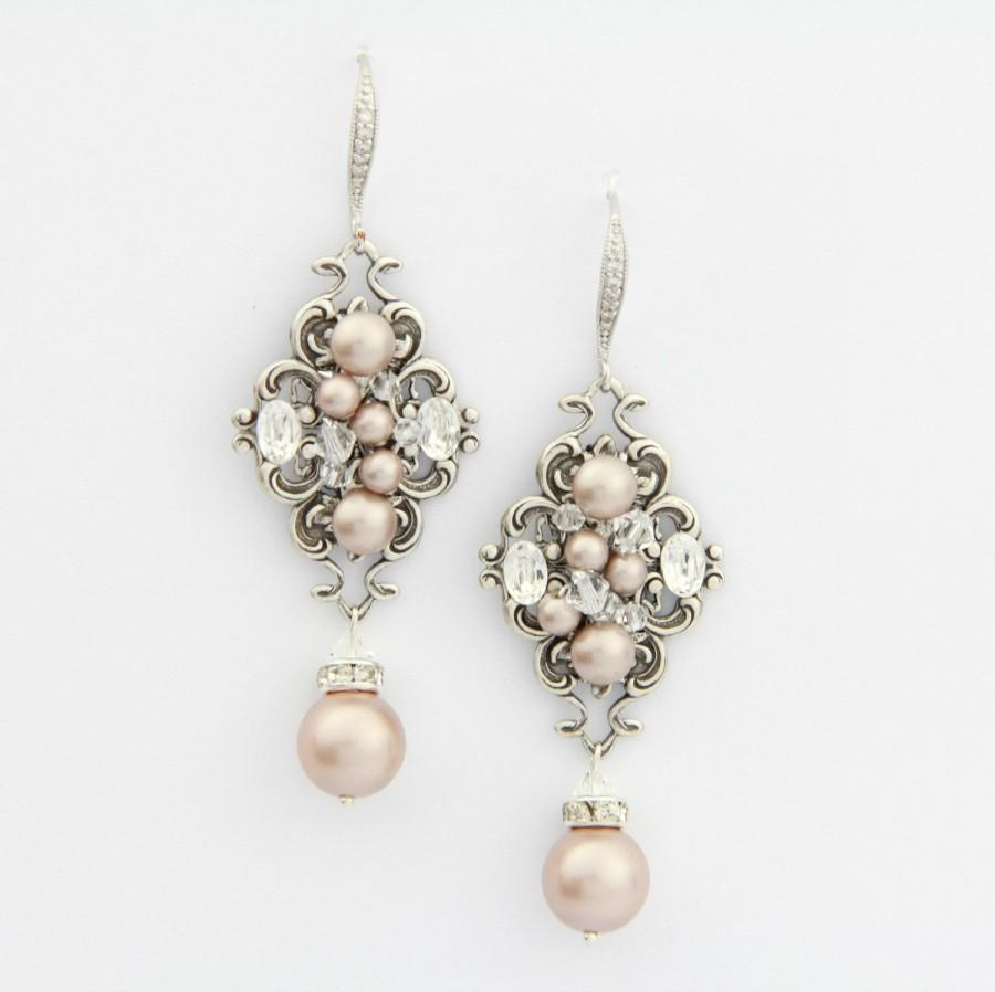 Blush champagne pearl earrings chandelier wedding for Jewelry for champagne wedding dress