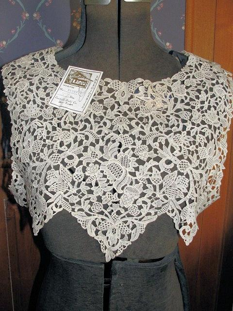 Свадьба - AMAZING Antique Needle Lace Like Bodice Yoke Collar Capelet Intricate Very Fine Lace Flapper Dress Downton Abbey Great Gatsby