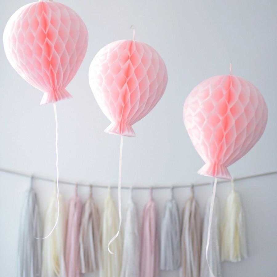 Hochzeit - Tissue paper HONEYCOMB  BALLOON decorations - your colors - children party / nursery decorations