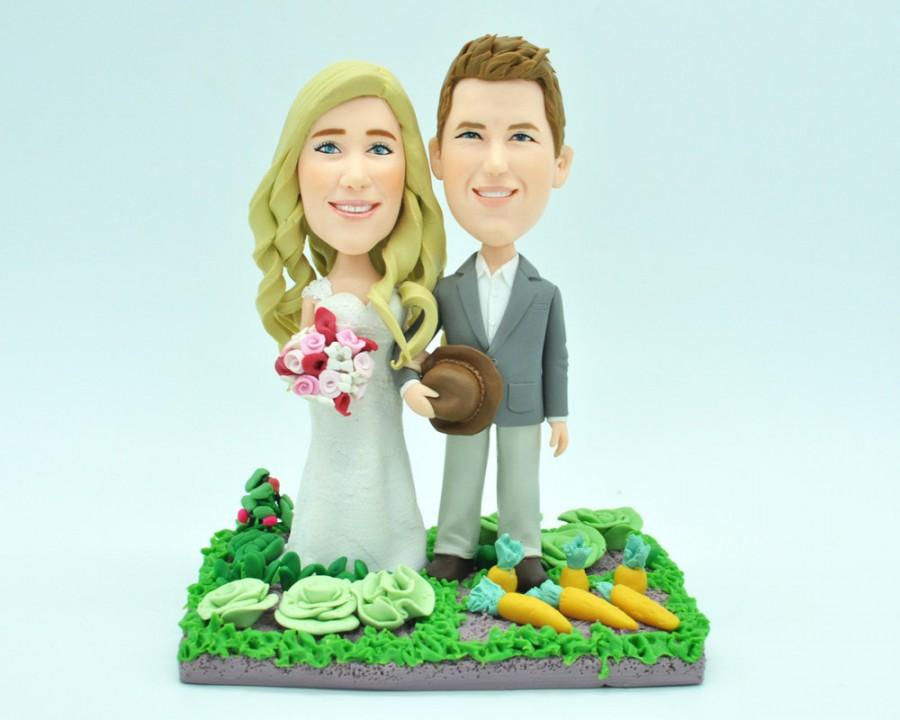 Свадьба - Custom wedding cake topper, personalized cake topper, Bride and groom cake topper, Mr and Mrs cake topper