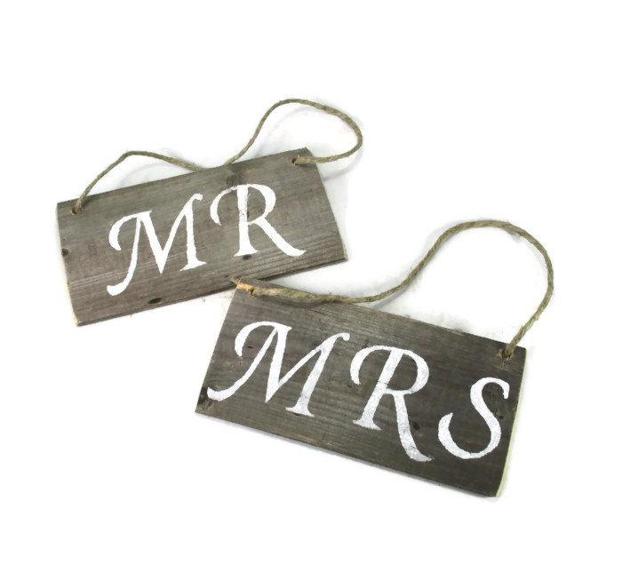 Свадьба - Mr & Mrs Wedding Signs Made from Reclaimed Wood -  Rustic Chic Wedding Decor