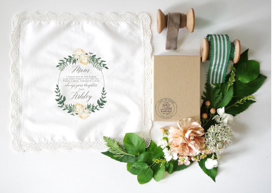 Mariage - Peonies and Greens Mother of the Bride Handkerchief.  Lace edge Handkerchief. Ivory handkerchief. Mother of the Bride Handkerchief