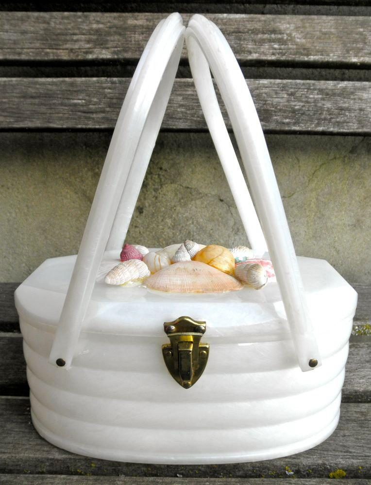 Hochzeit - Vintage White Marbled Lucite Box Purse with Seashells 40s 50s Beach Wedding Tropical Vacation Pin Up Rockabilly // Jackpot Jen