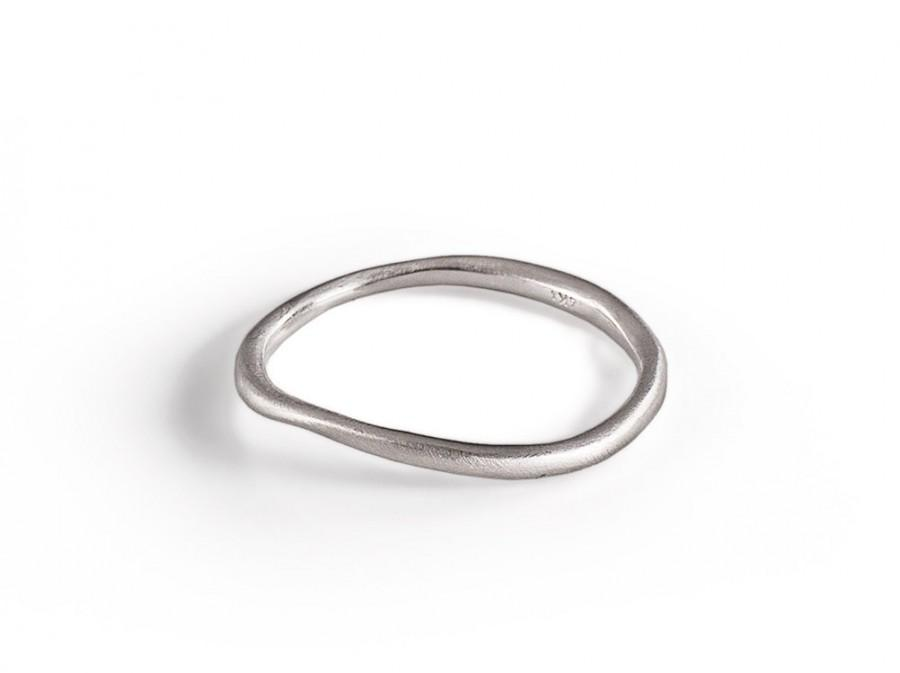 Mariage - Unique Wedding Band,  14K white Gold Wedding Ring Sculptured By Hand, women Solid Gold wedding Ring. fine jewelry.