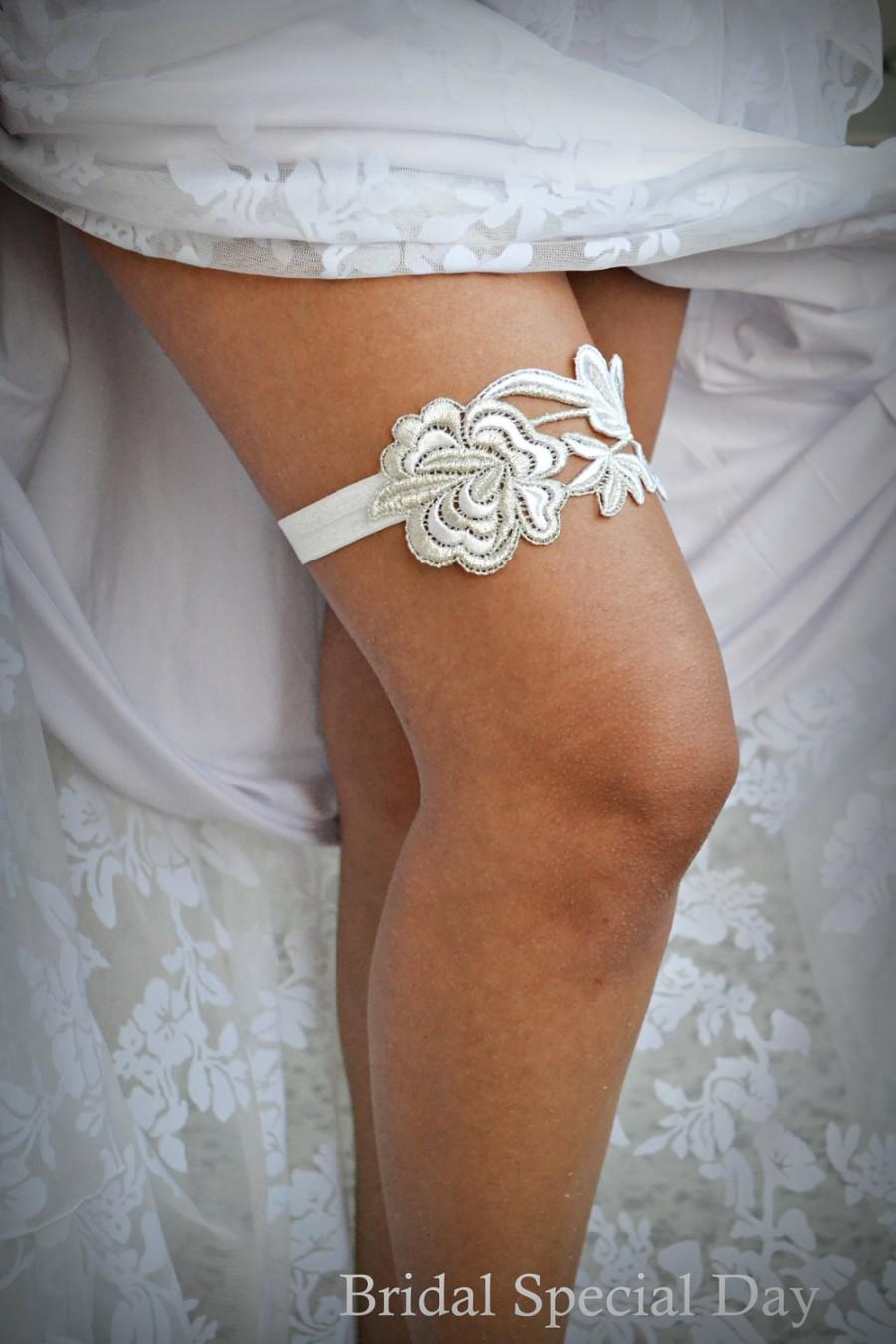 Mariage - Flower Lace Wedding Garter White And Silver Bridal Garter Set- Handmade