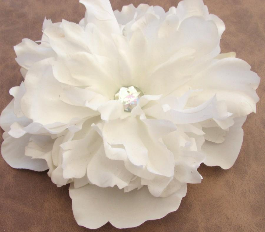Свадьба - Peony Flower Hair Clip in Bridal White Wedding Head Piece Large Fascinator Rhinestone Brooch Pin Ring Bearer Pillow Accessory Cake Topper