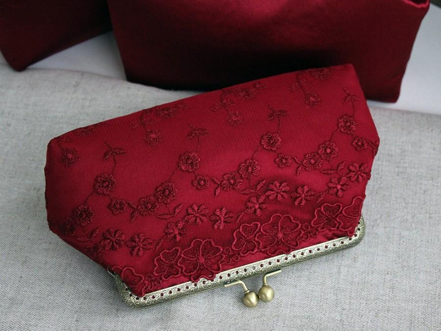 Mariage - Burgundy Wedding clutch, Marsala wedding gifts, Bridesmaid Gift, Bridal Clutches, Red, Marsala, Burgundy Wedding, Silk Lace purse, Cocktail