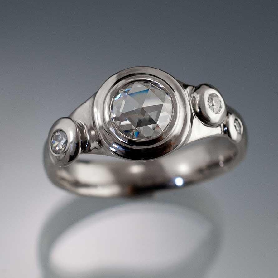 Mariage - Moissanite Engagement Ring, Unique Rose Cut Moissanite Bezel Ring, Moissanite Accents in Palladium, Platinum or White Gold